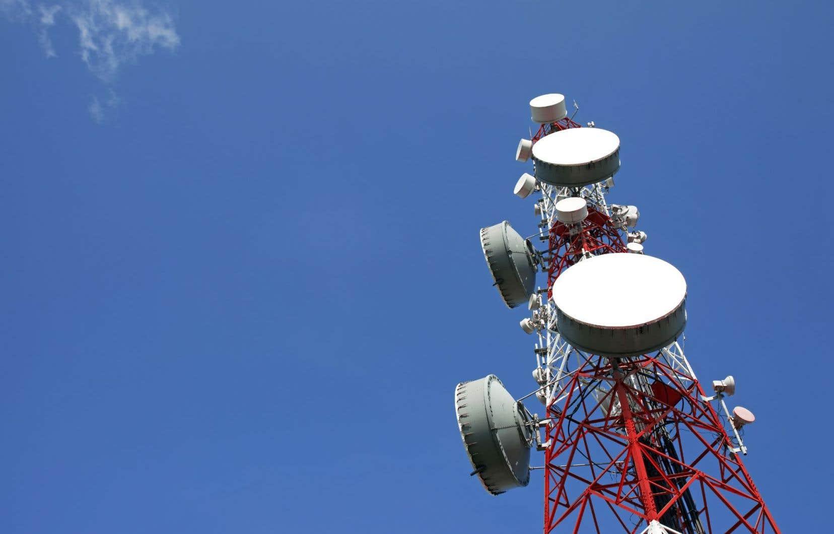Les compagnies de télécommunication sont souvent réticentes à payer pour des tours de transmission dans des secteurs à faible densité.