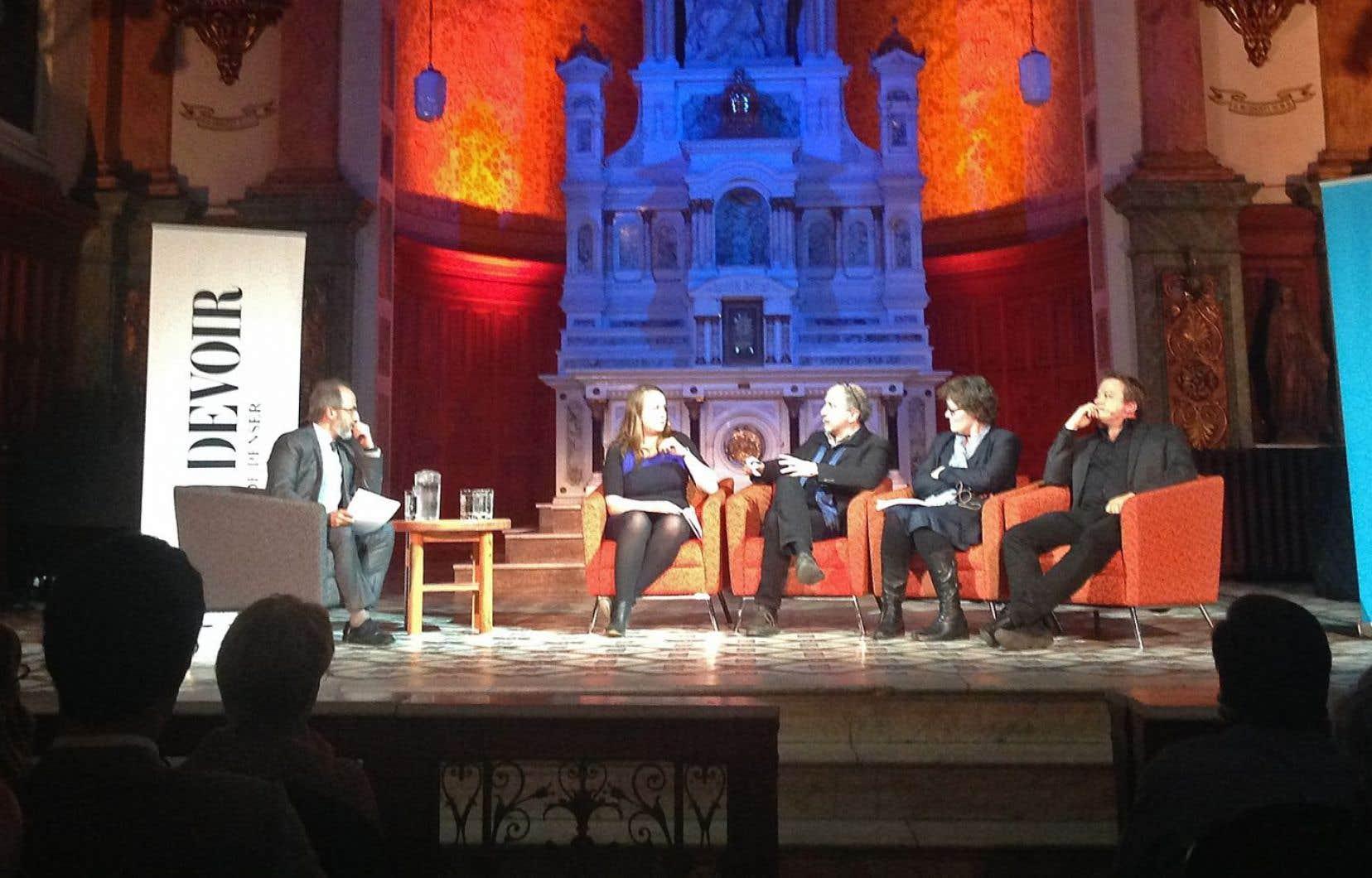 La discussion qui avait lieu à la Chapelle de l'Amérique francophone opposait le chroniqueur du «Devoir» Christian Rioux, la présidente du Mouvement national des Québécois, Martine Desjardins, la chroniqueuse Anne Lagacé Dowson et le juriste Frédéric Bérard.