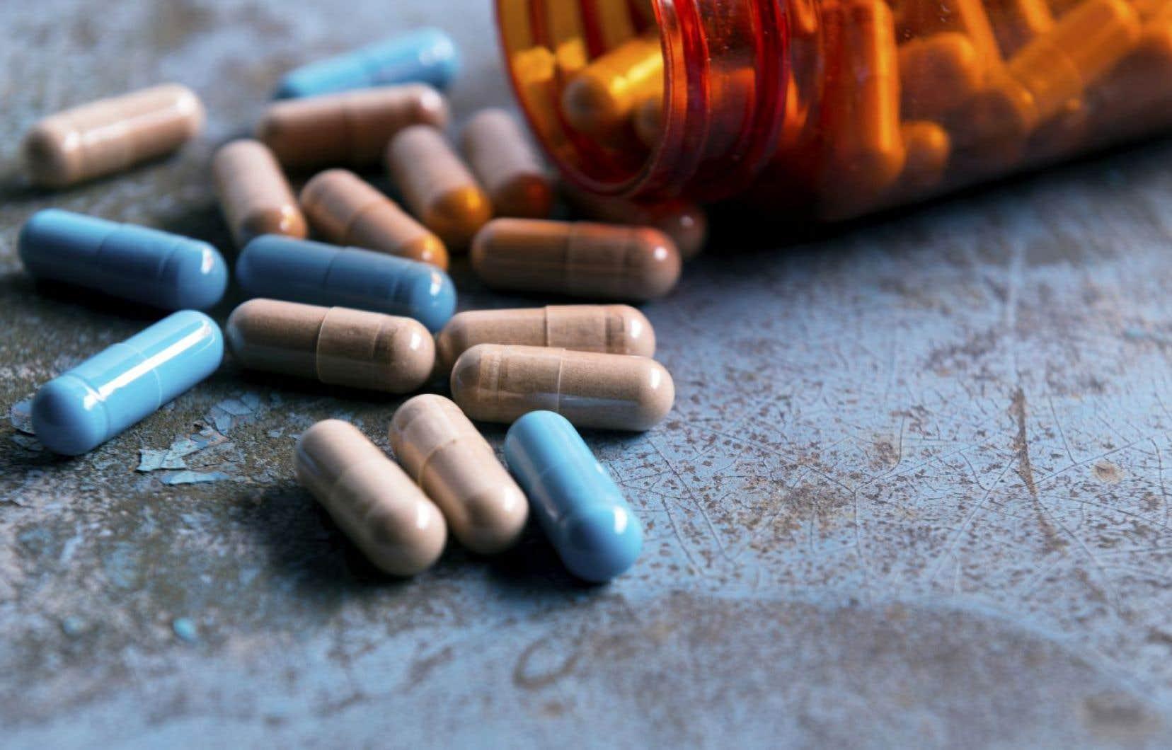 Il se prescrit au Canada plus de doses d'opioïdes par habitant que partout ailleurs dans le monde.