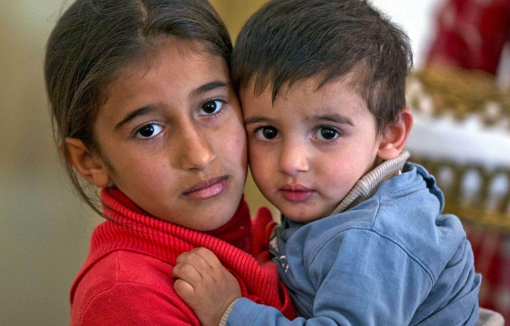 Au Québec, alors que l'on compte 4500 parrainages privés, à peine 900 réfugiés syriens ont été pris en charge par l'État et installés en région.