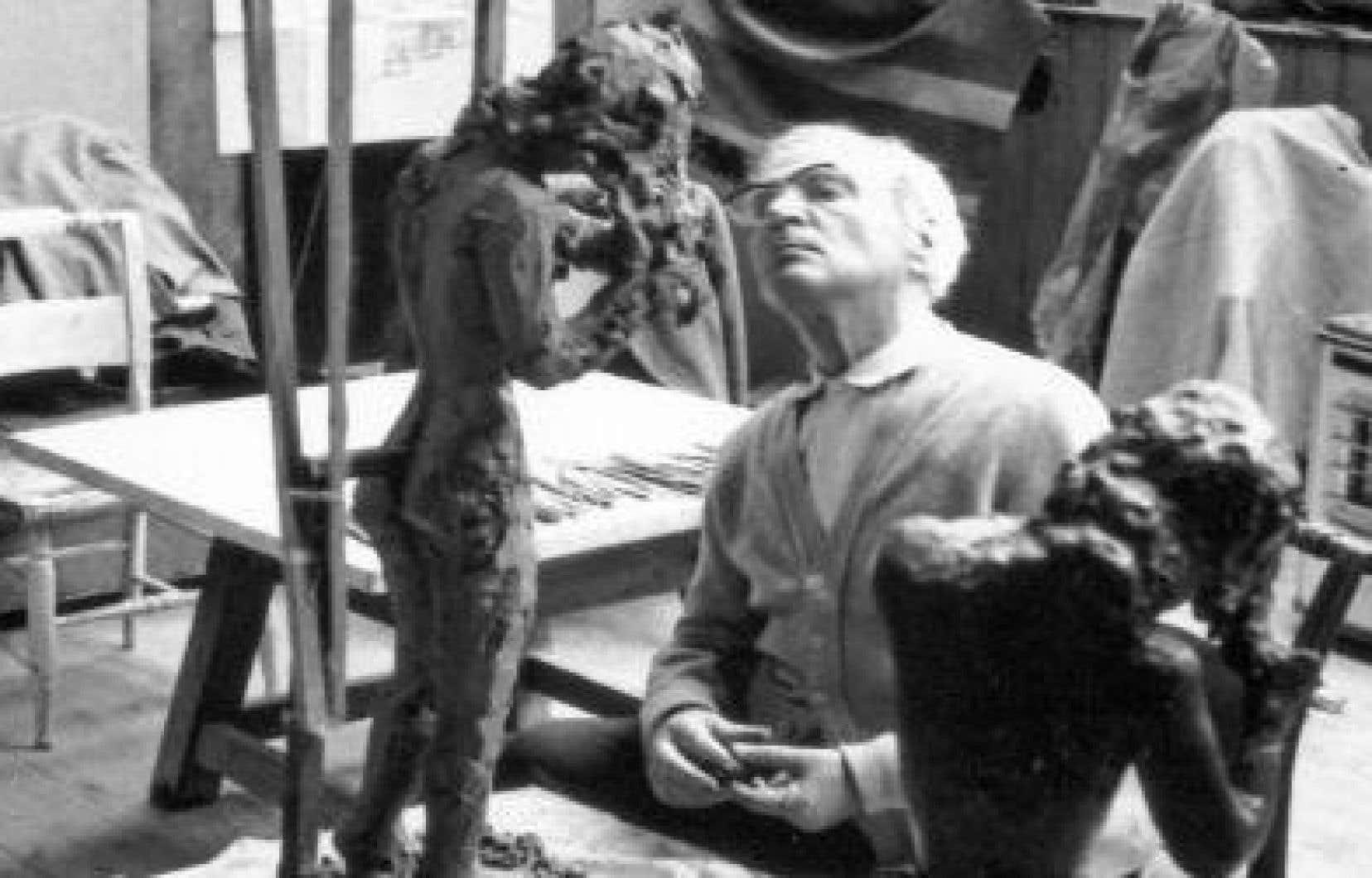 Fenosa sculptant