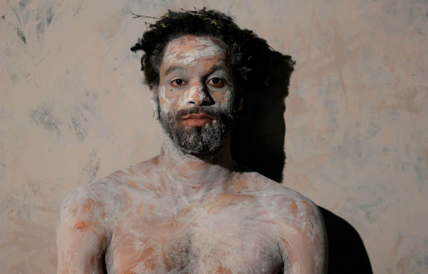 Dans «Éloges de la fuite», Philippe Racine a une présence intense au mutisme habité.