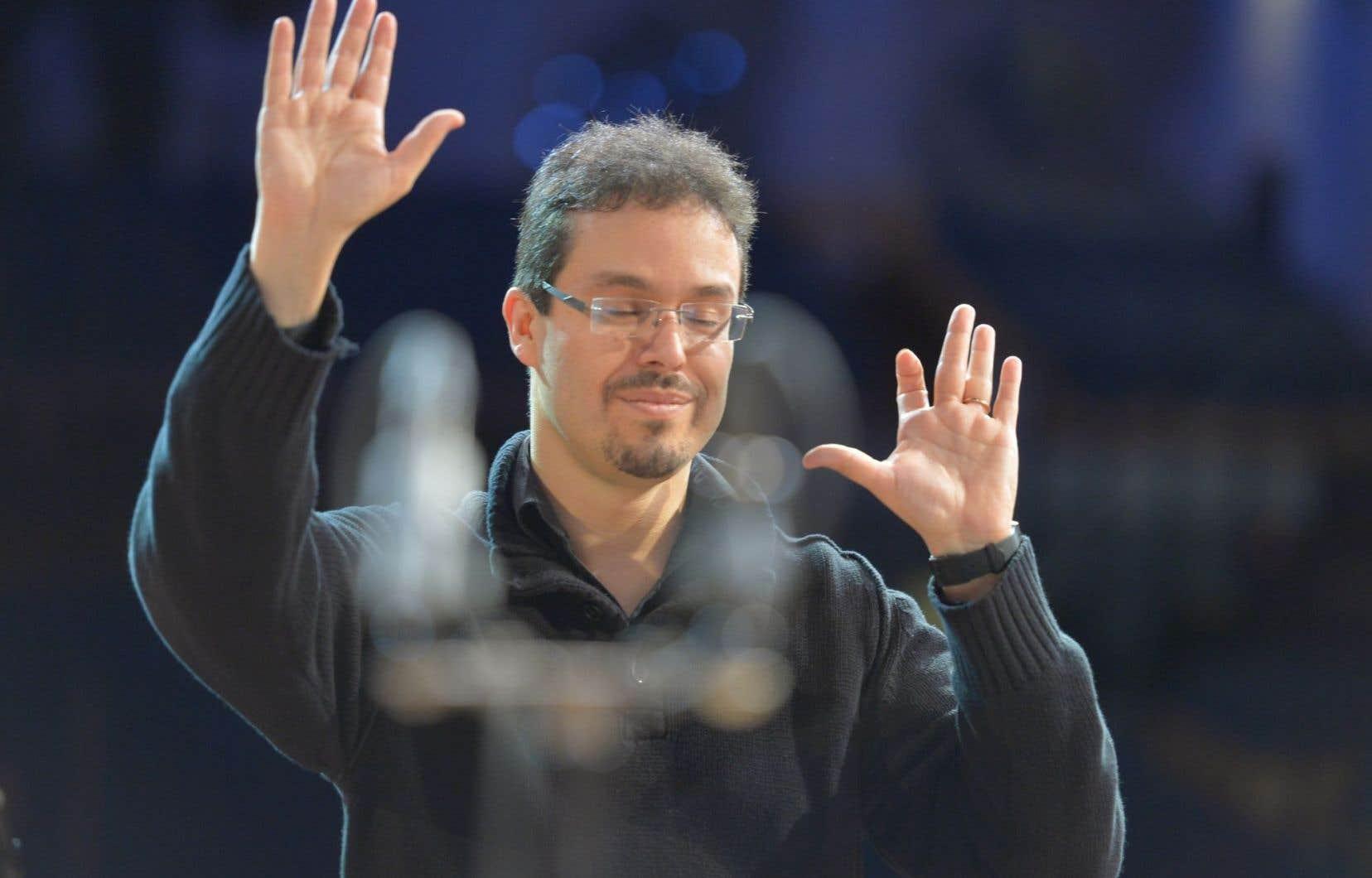 Le chef d'orchestre argentin, Leonardo García Alarcón