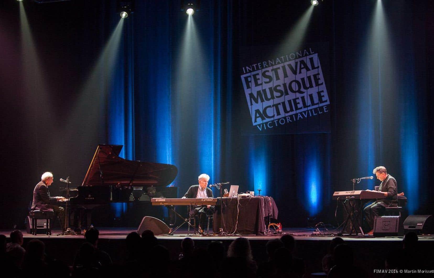 Frederic Rzewski, Richard Teitelbaum et Alvin Curran du Musica Elettronica Viva en avaient encore beaucoup à nous apprendre sur le plan politique et musical.