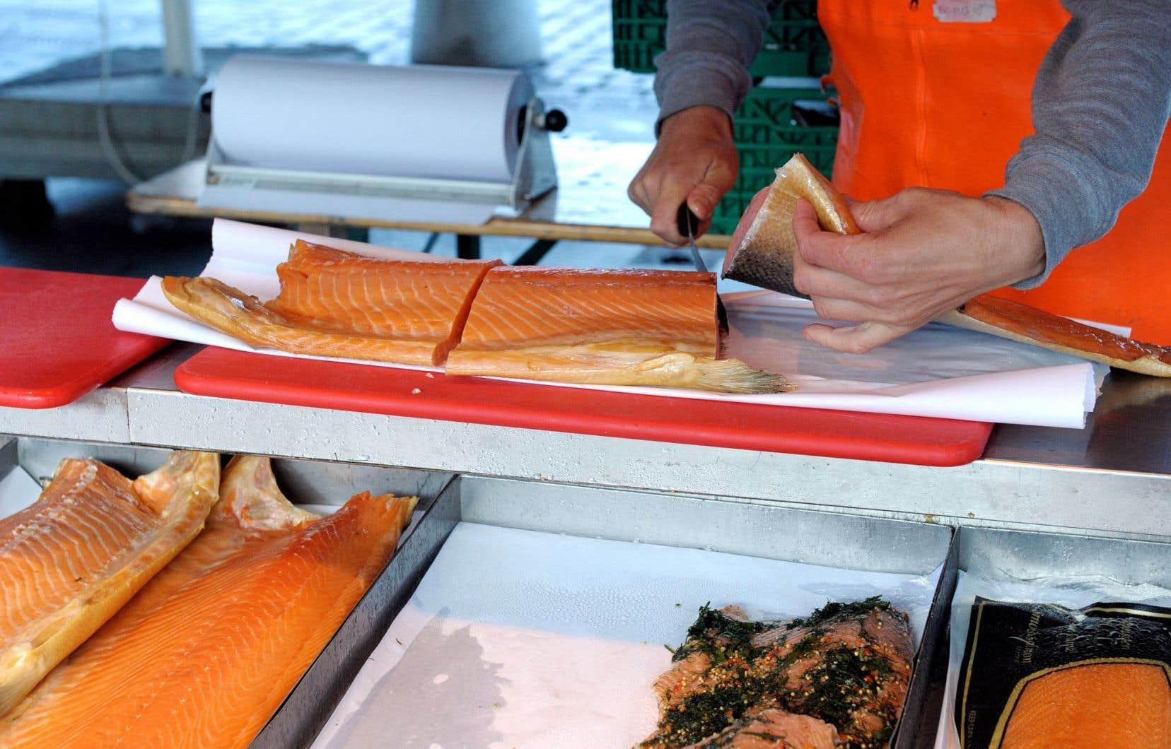 Les risques de consommer du saumon génétiquement modifié sont peut-être nuls ou infimes pour la santé, mais alors, pourquoi ne pas l'étiqueter comme OGM ?