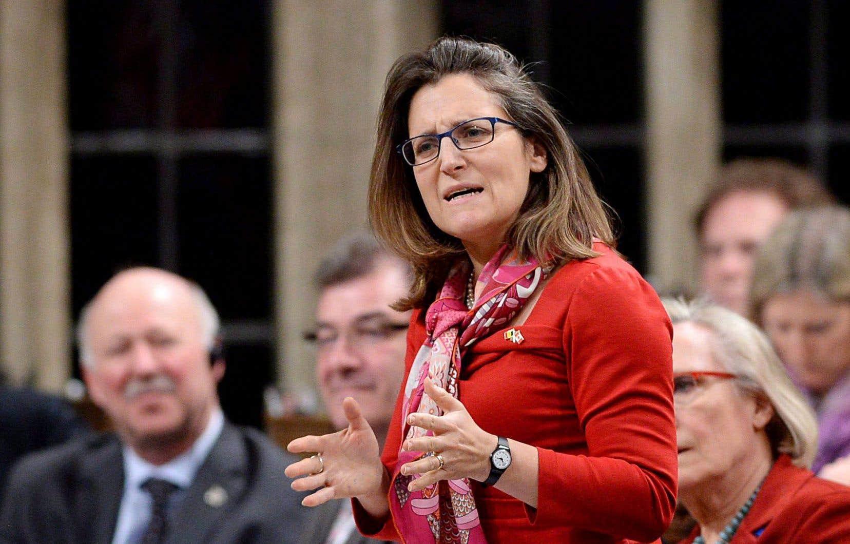 La ministre Chrystia Freeland croit que les gouvernements doivent convaincre leurs populations du bien-fondé du libre-échange.