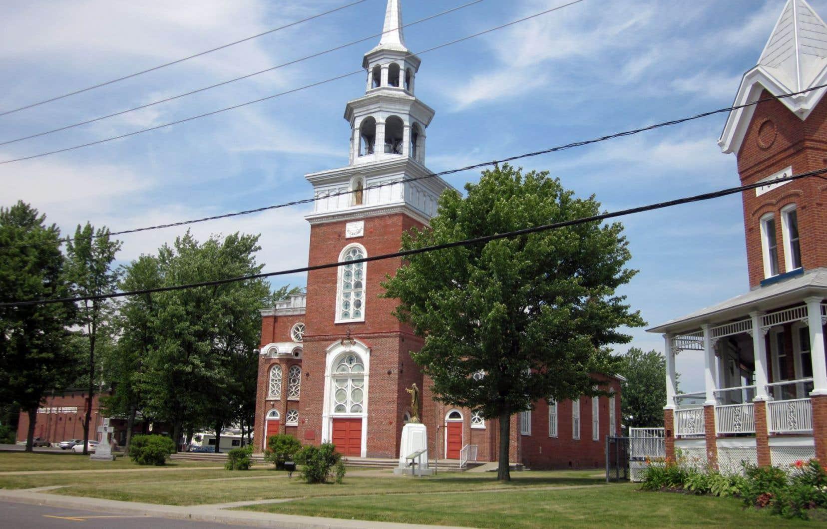 L'église Saint-Thomas à Pierreville avant sa démolition, qui a débuté à la fin du mois de mai.