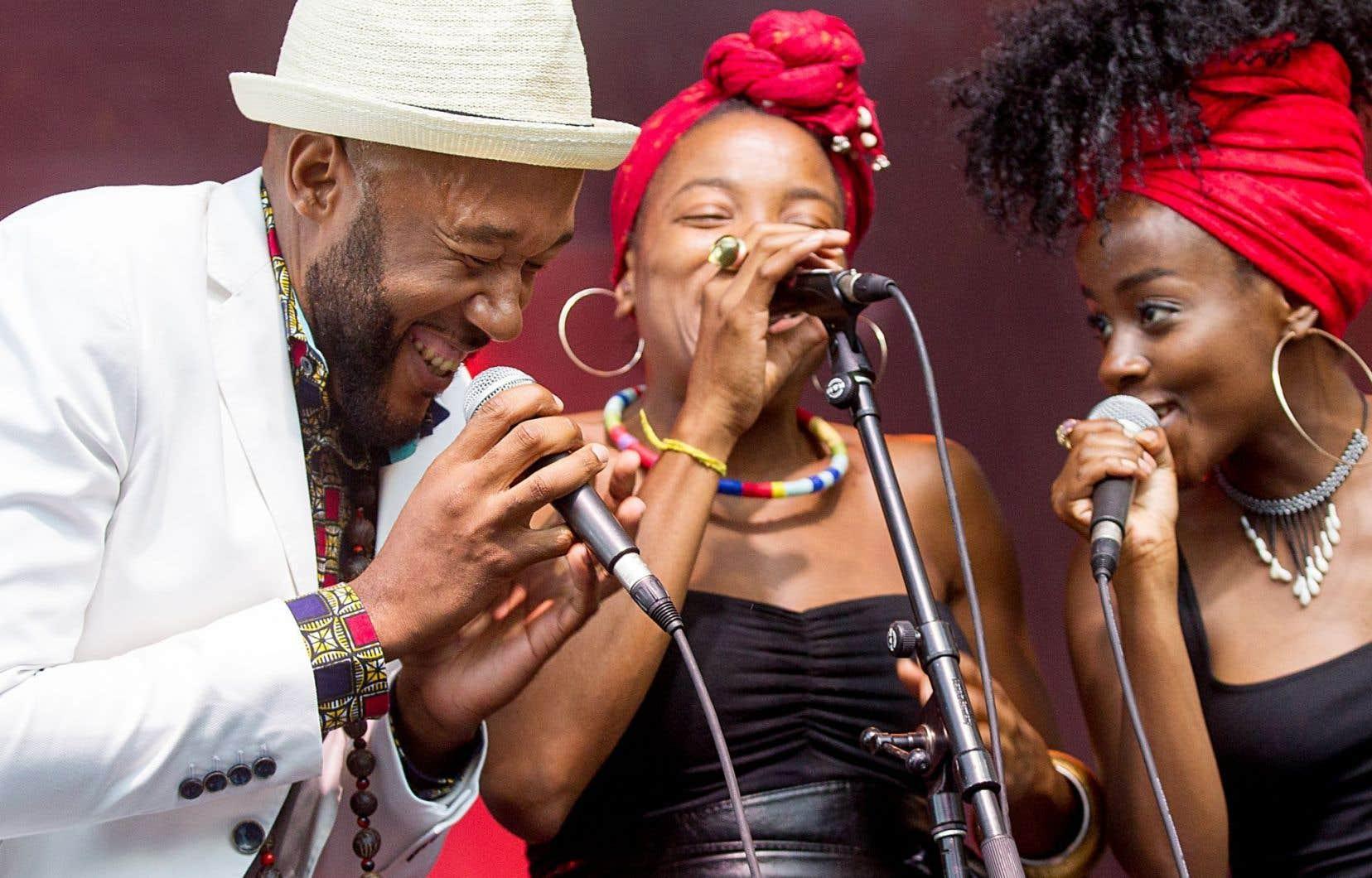 Rappeur du quartier planétaire,Vox Sambou incarne le hip-hop de quartier et le chant des ancêtres haïtiens.