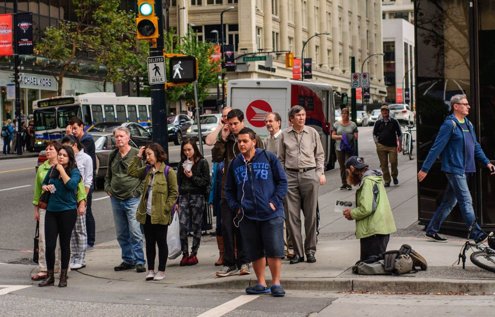 Vancouver (142erang dans le classement mondial) reste la ville la plus chère au Canada, suivie par Toronto (143e), Montréal (155e), Calgary (162e) et Ottawa (171e).