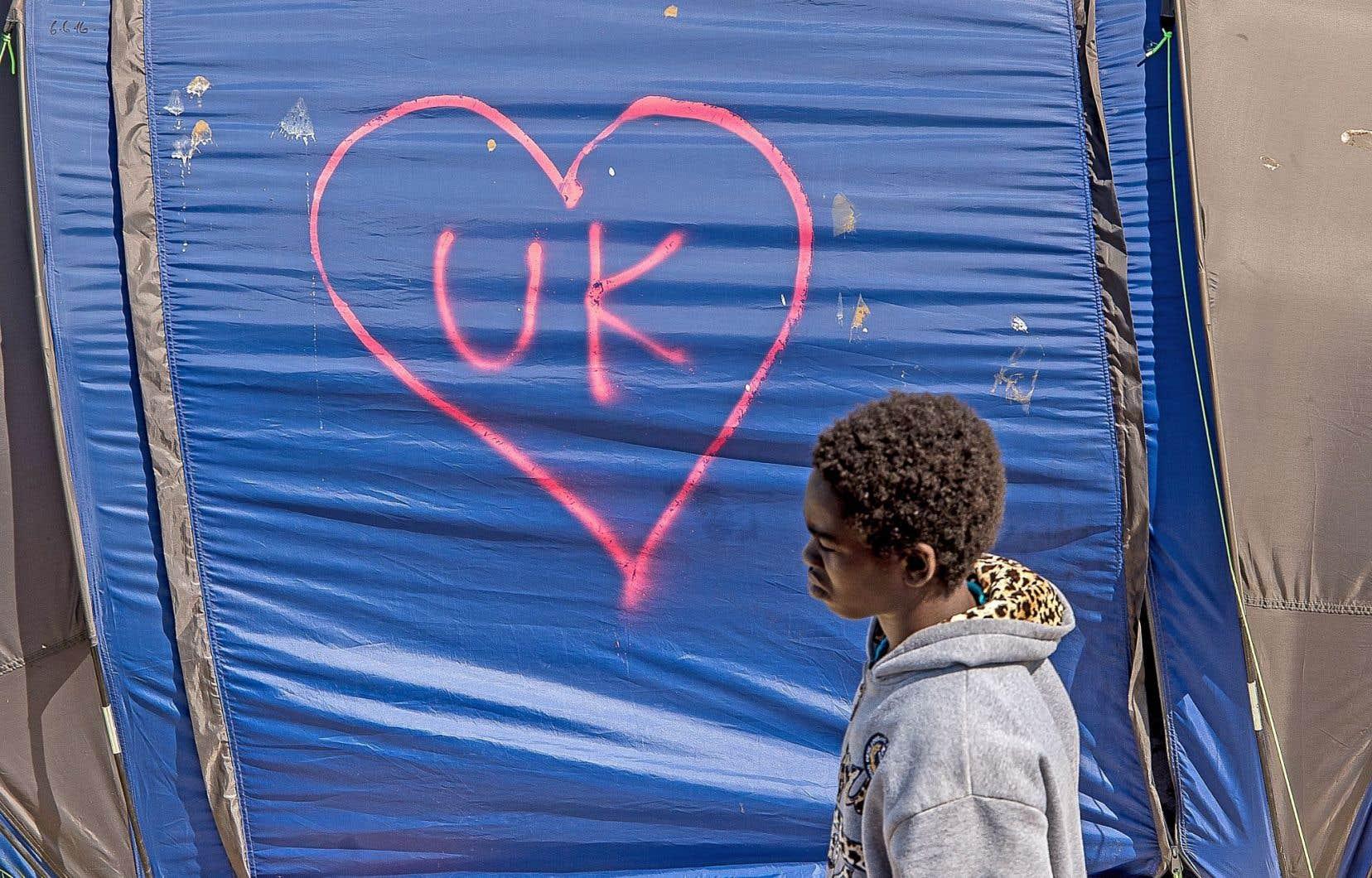 Les migrants du camp de Calais, en France, avaient affiché leurs couleurs pour le Remain. La question de l'immigration fut l'un des éléments au cœur de la campagne du référendum britannique.