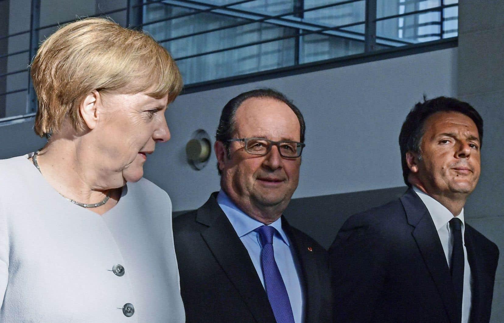 La déclaration commune des dirigeants Angela Merkel, François Hollande et Matteo Renzi propose des avancées pour l'Union européenne dans les domaines de «la défense, la croissance, l'emploi et la compétitivité».