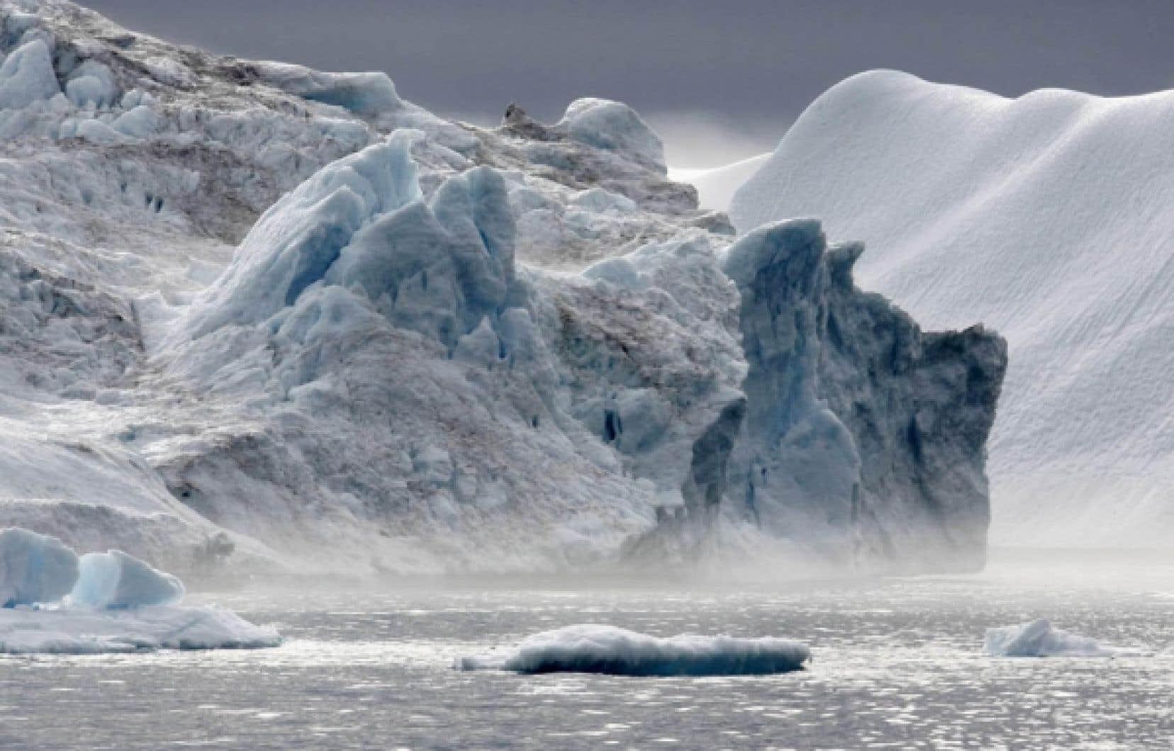 Dans l'océan Arctique, l'étendue de la glace marine permanente a enregistré une troisième baisse depuis le début des mesures satellitaires il y a 30 ans.
