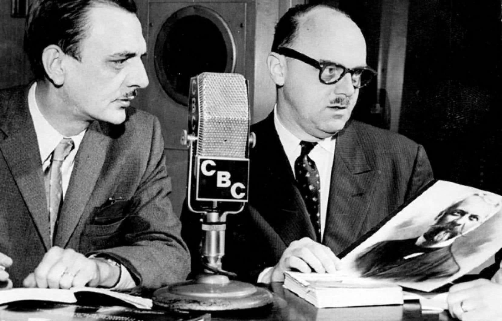 En 1944, Henri Bourassa appuie la campagne québécoise du Bloc populaire, dirigé par le jeune journaliste André Laurendeau, ici avec Jean Drapeau.