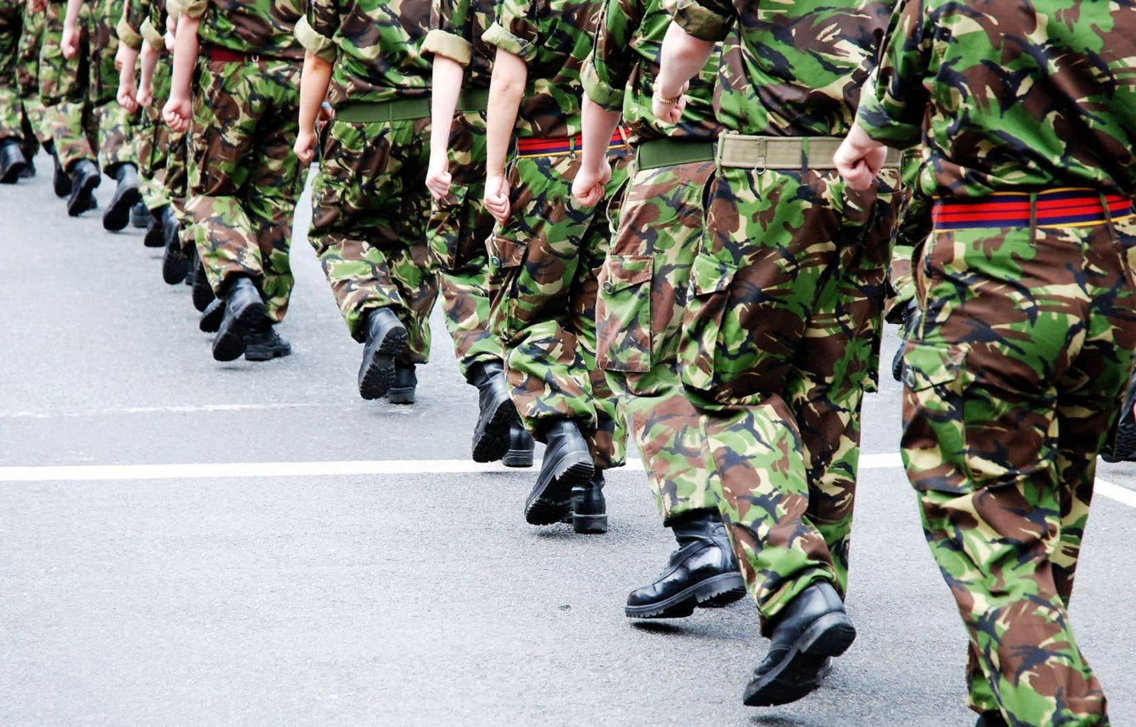 Les femmes occupent déjà de nombreux postes dans l'armée britannique, mais elles ne pouvaient pas combattre directement avec l'infanterie.