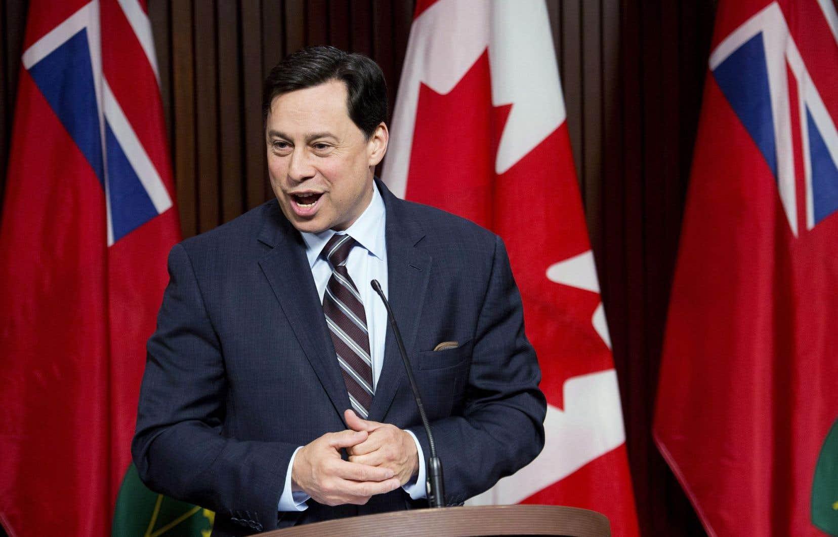 Le ministre du Développement économique de l'Ontario, Brad Duguid