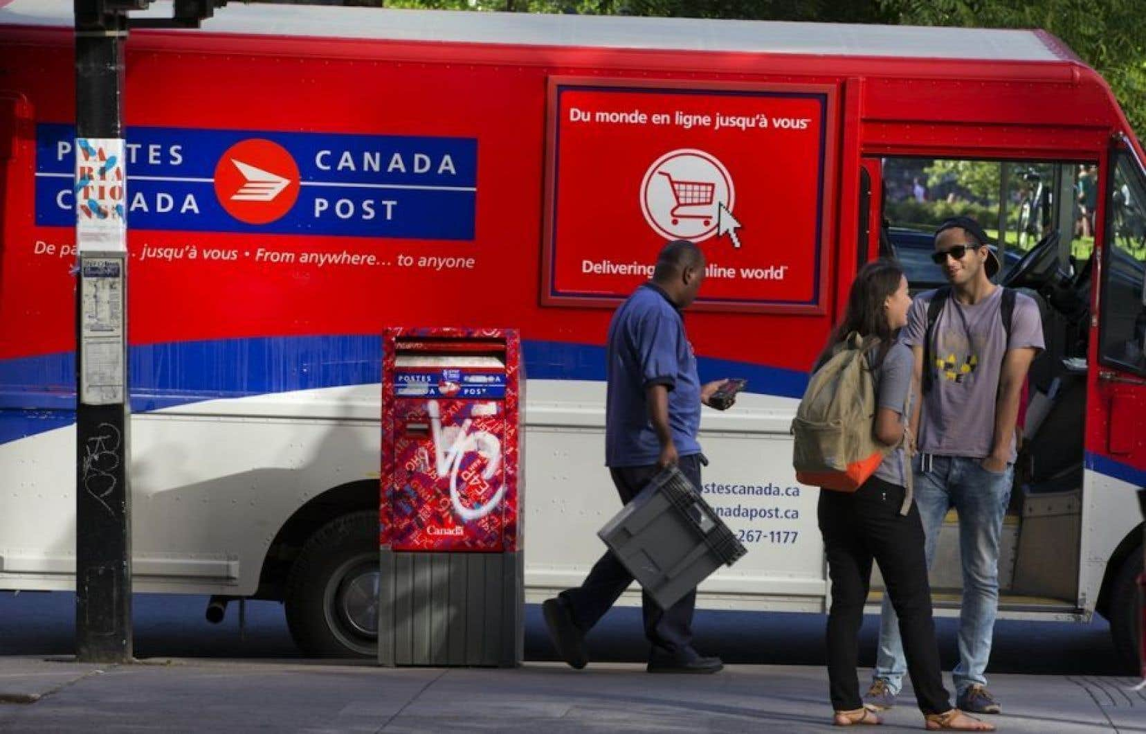 Postes Canada dit avoir constaté une baisse importante de la quantité de courrier traitée ces derniers jours.