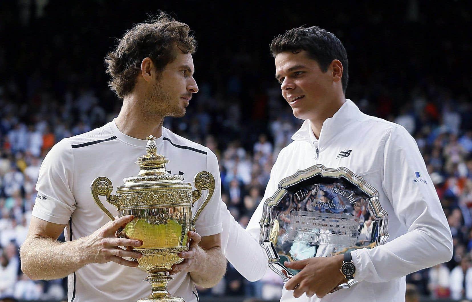 Andy Murray et Milos Raonic après la finale que l'Écossais a remportée aux dépens du Canadien.