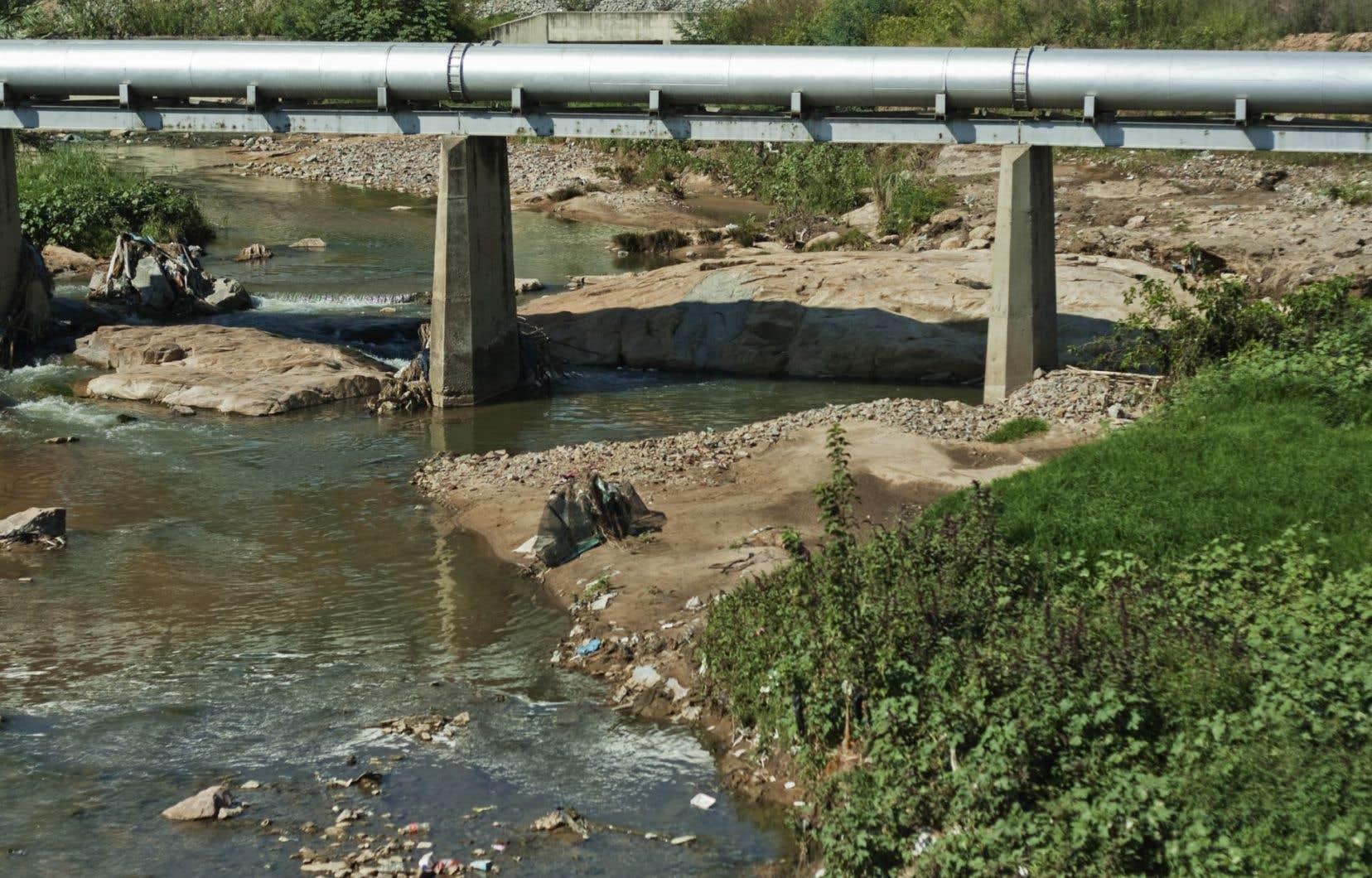 TransCanada espère commencer la construction d'Énergie Est dès 2018, après avoir reçu le feu vert du gouvernement fédéral. Ça serait le pipeline le plus important d'Amérique du Nord.