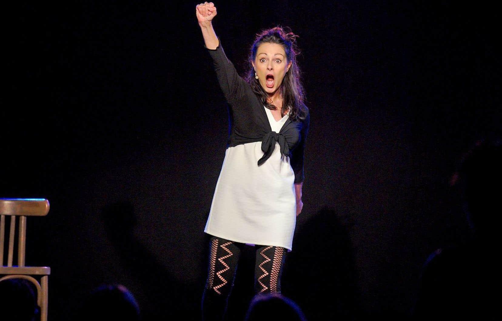 Un an après «Chus pas connue (encore!)», Francine Lareau s'amène avec son deuxième spectacle solo.