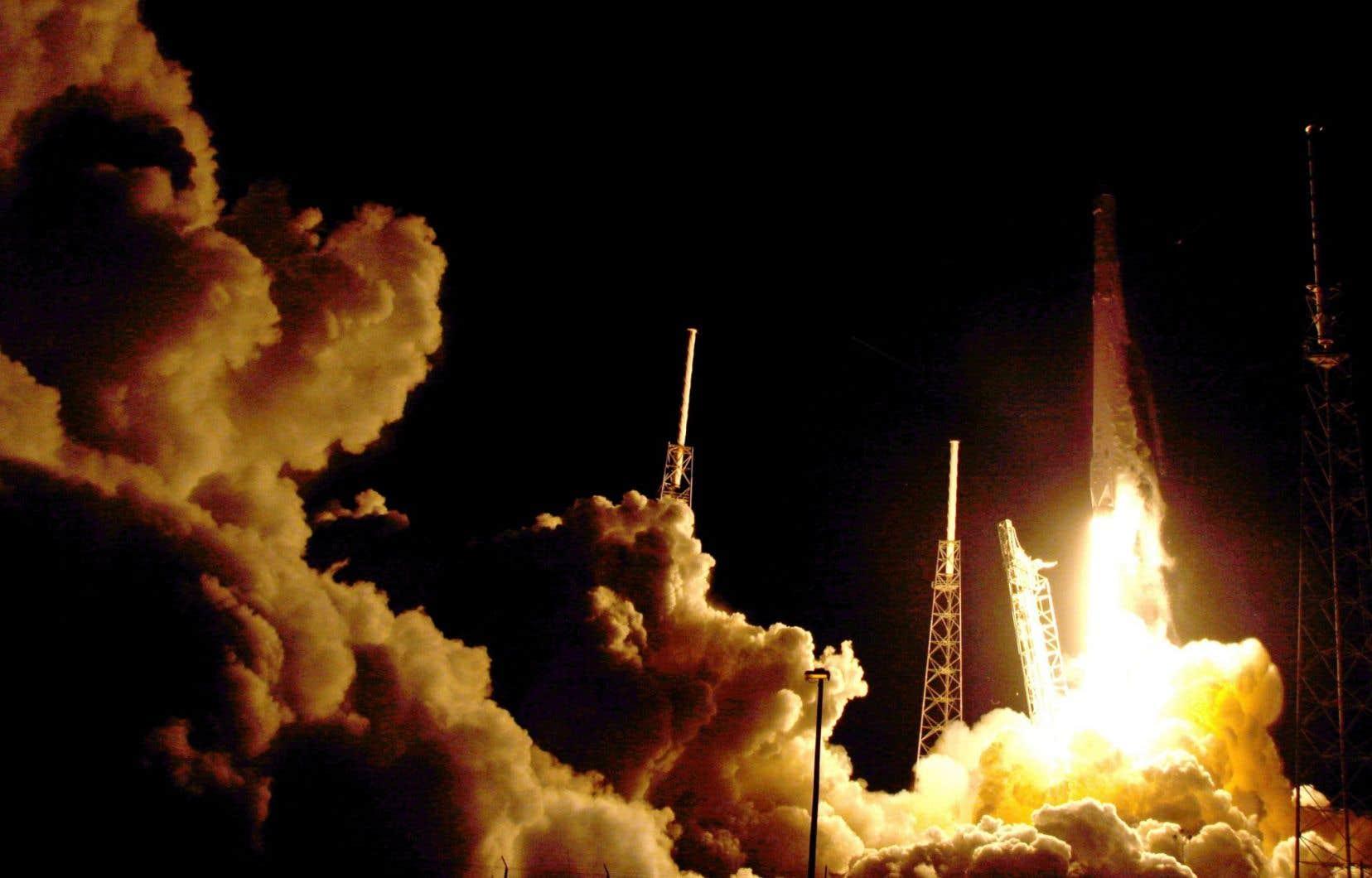 La fusée Falcon a été lancée de Cape Canaveral, en Floride.