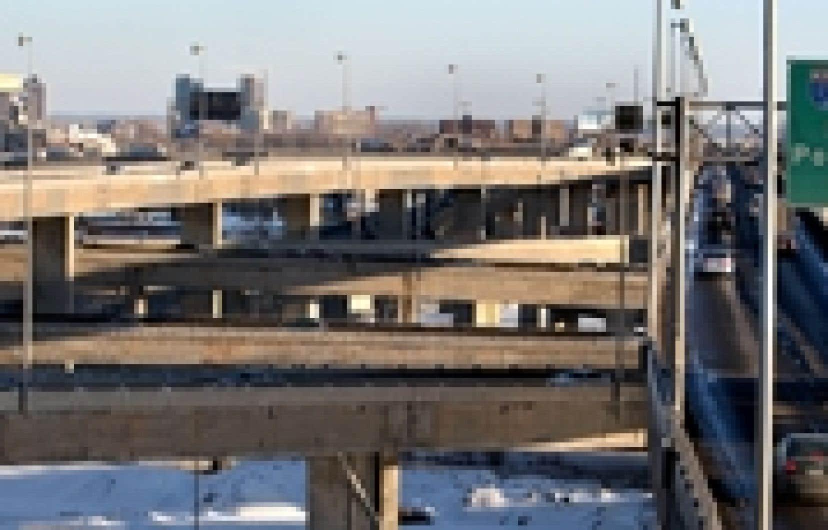 Ottawa investira 212 millions pour la réfection du pont Champlain, à Montréal.