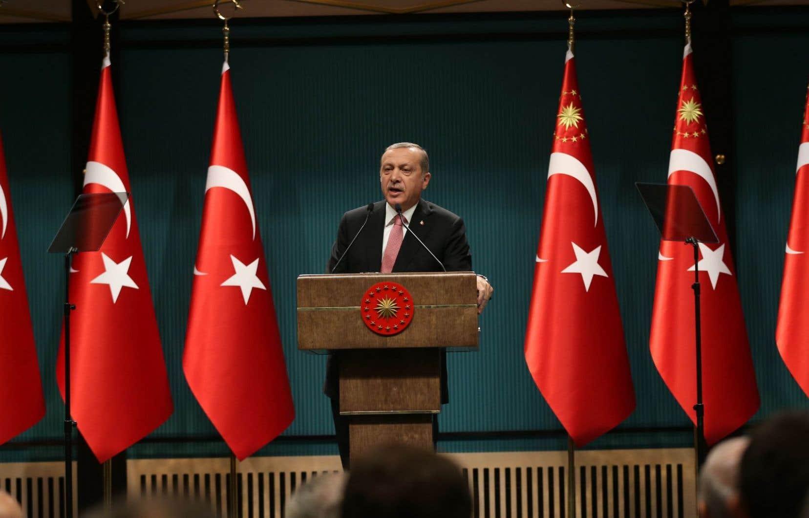 Après une purge de l'armée, de la police, des médias, de la magistrature et de la fonction publique, le président turc Recep Tayyip Erdogan s'attaque maintenant à l'éducation.
