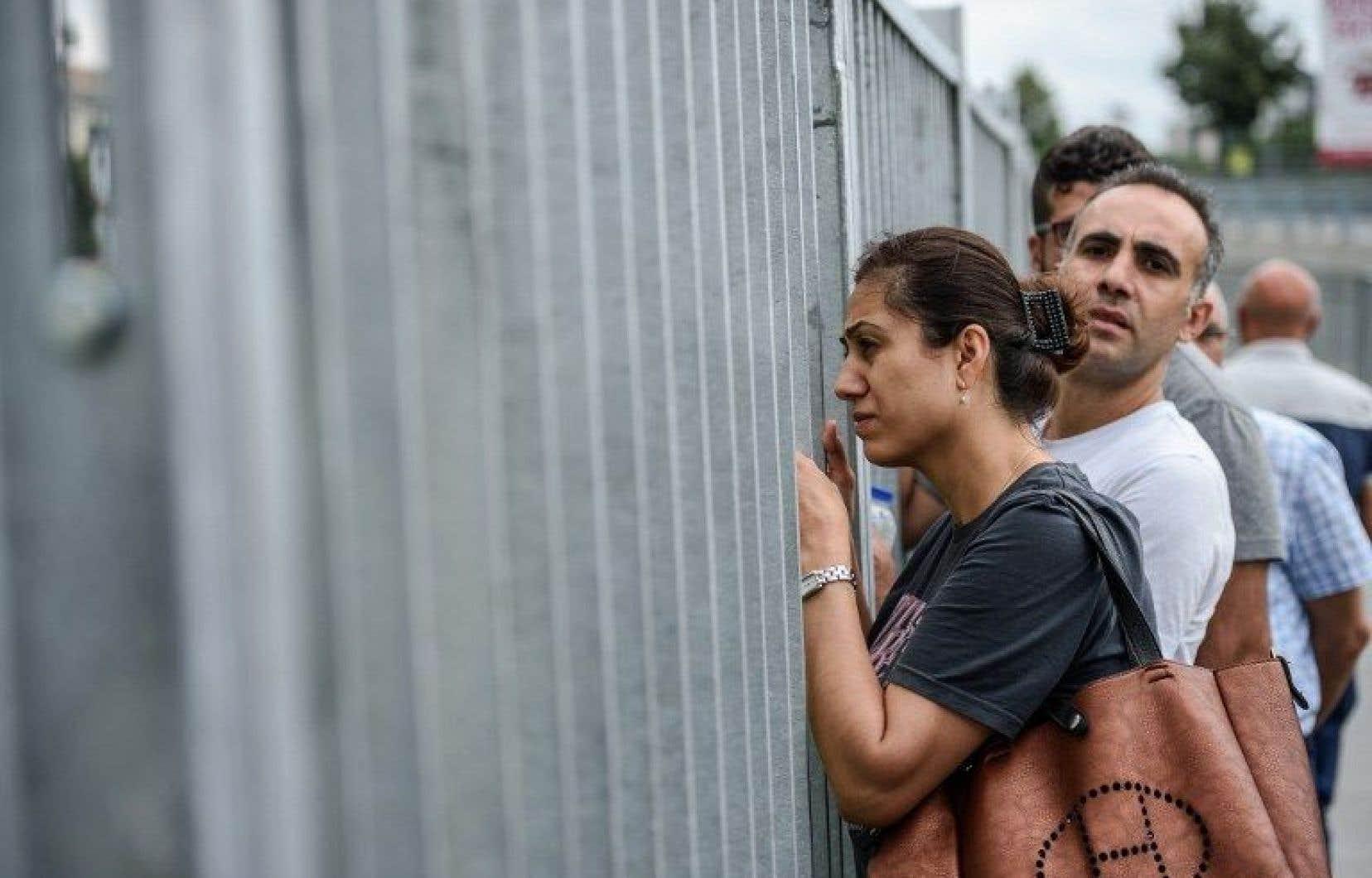 Selon Amnesty, certains détenus n'ont pas accès à un avocat ou à leurs familles.<br />