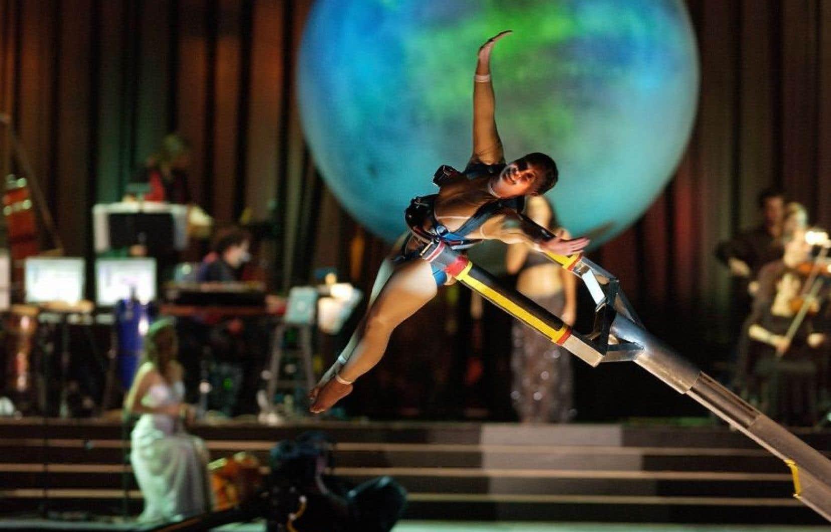 Plus de 70 employés du Cirque du Soleil étaient mobilisés pour les spectacles programmés.