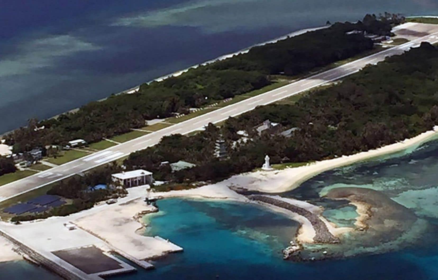 Vue sur l'île de Taiping en mer de Chine du Sud