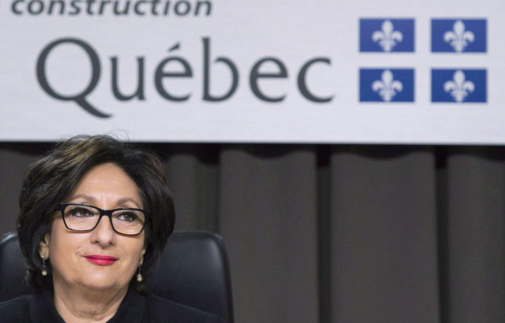La Loi donnant suite aux recommandations de la commission Charbonneau en matière de financement politique a été adoptée le 10 juin et permet au DGEQ de réclamer des sommes sans délai de prescription. Ci-dessus, la juge France Charbonneau.