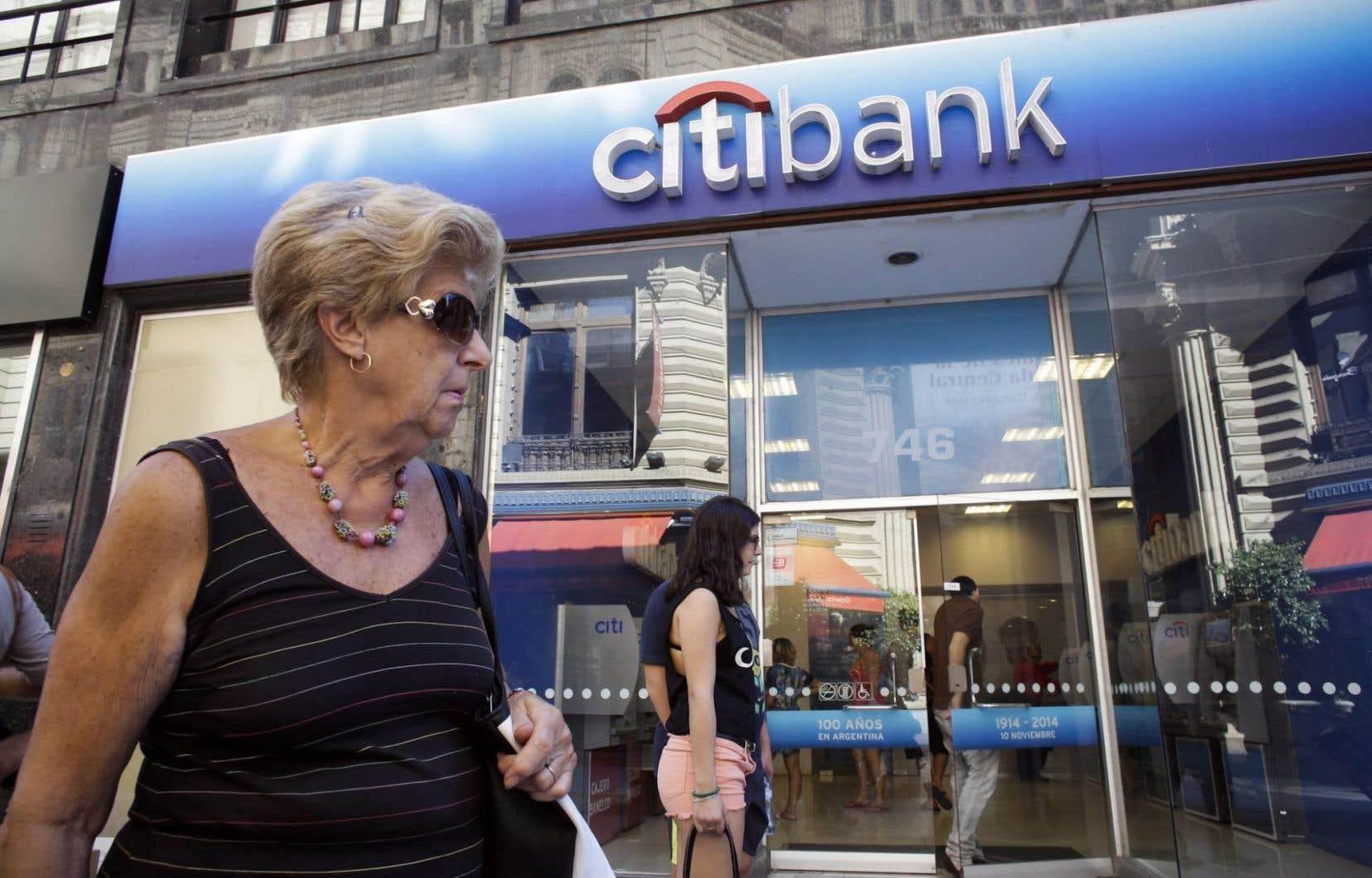 La Cour fédérale a approuvé une demande du gouvernement pour obtenir les transactions réalisées par la Citibank etla Banque Royalerelativement à des comptes au nom de la Cayman National Bank.