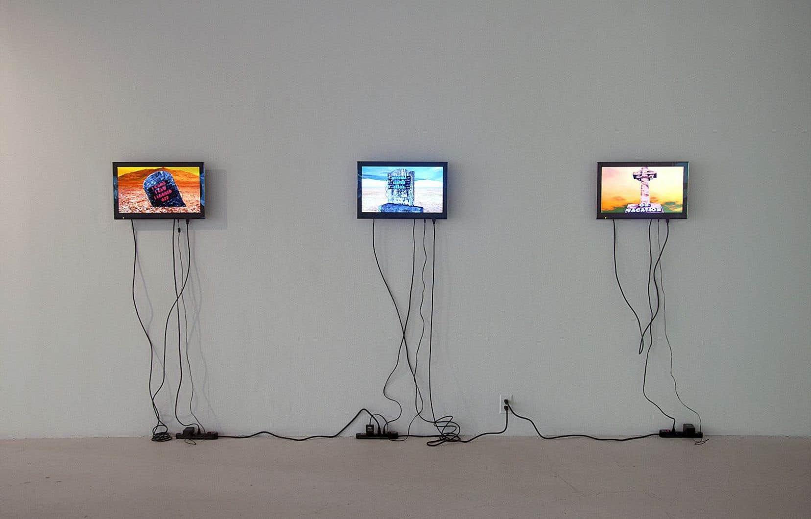 Joe Hamilton propose deux œuvres, une série de courtes vidéos à expérimenter avec casque d'écoute et un tableau interactif (et en ligne).
