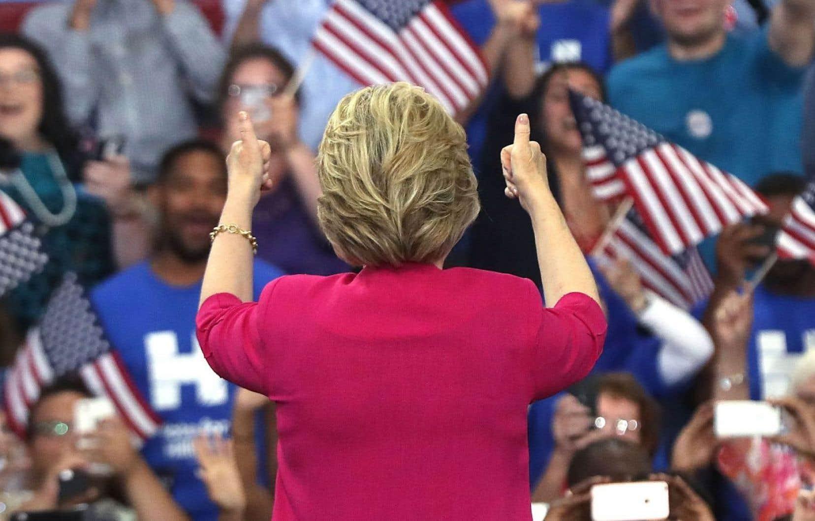 Traditionnelle, mais moderne: par son discours, Hillary Clinton s'est peut-être finalement positionnée en plein centre.