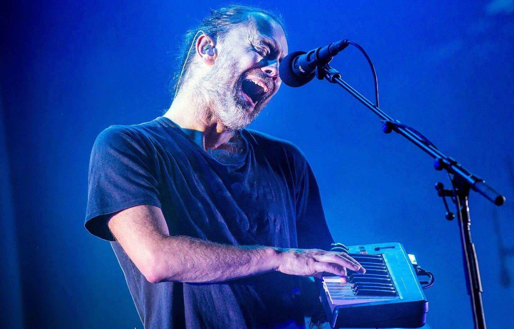 Les guitaristes de Radiohead se sont chargés d'enrober la voix plaintive de Thom Yorke, tantôt avec des pédales d'effets, tantôt en frottant leurs cordes avec un archet.