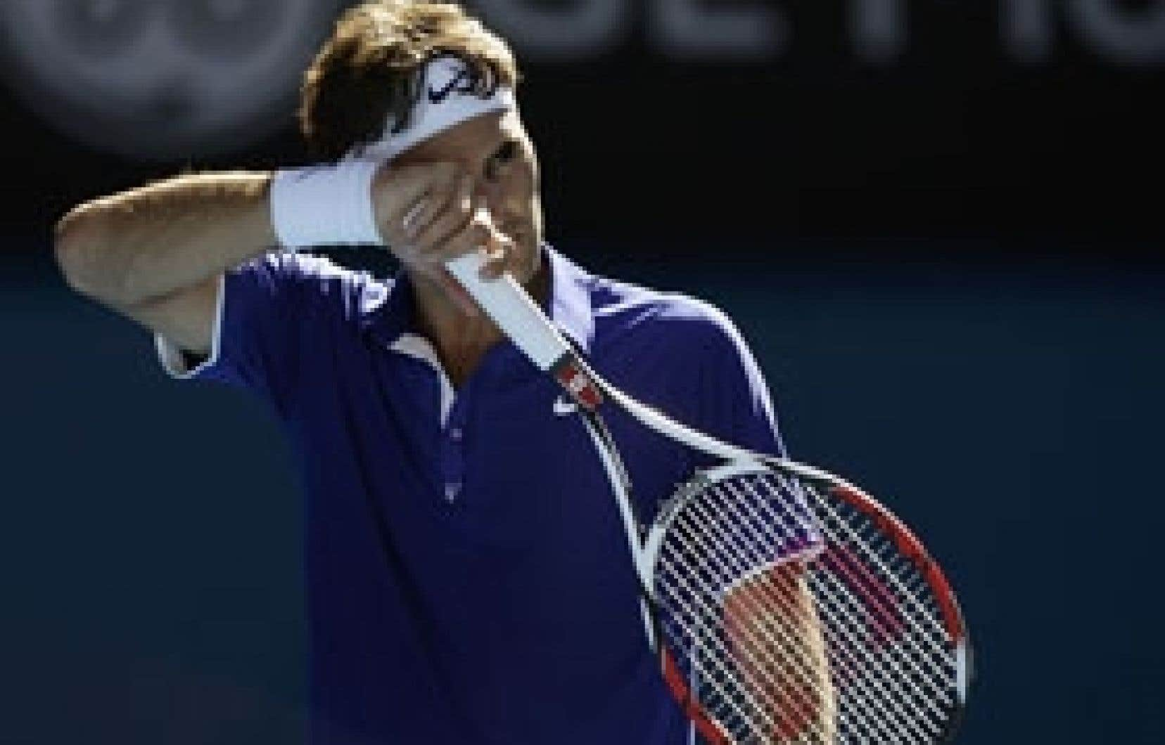 Roger Federer perdait deux sets à zéro avant de prendre le contrôle du jeu.