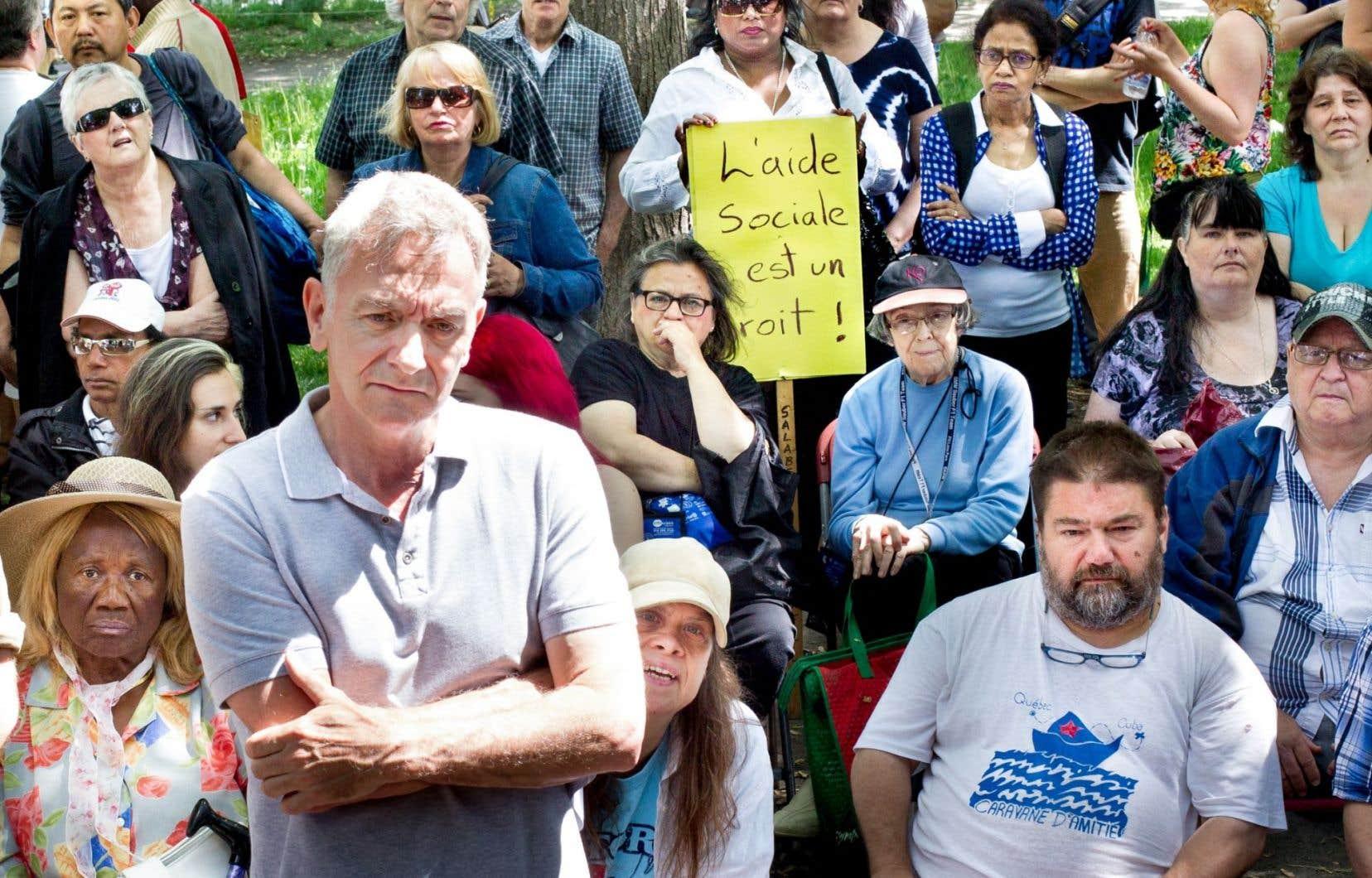 Manifestation contre le projet de loi 70 au carré Saint-Louis, à Montréal, le 1er juin dernier