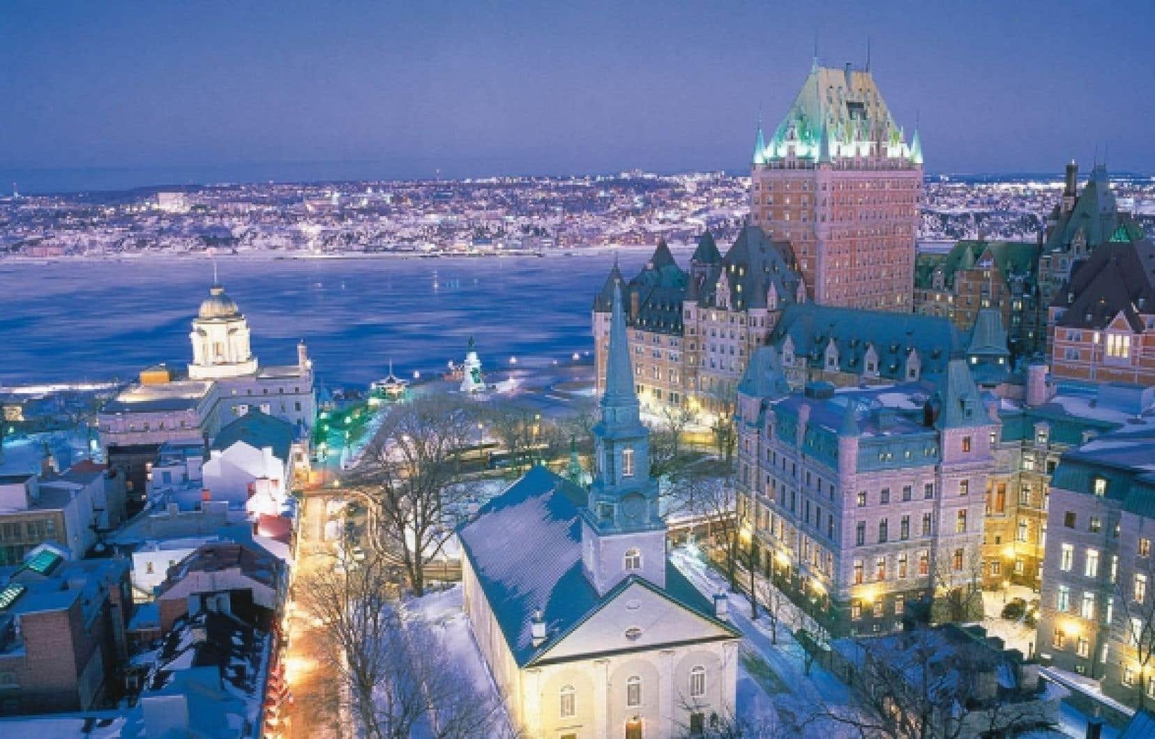 Jeux de lumière sur le Vieux-Québec et ses environs.