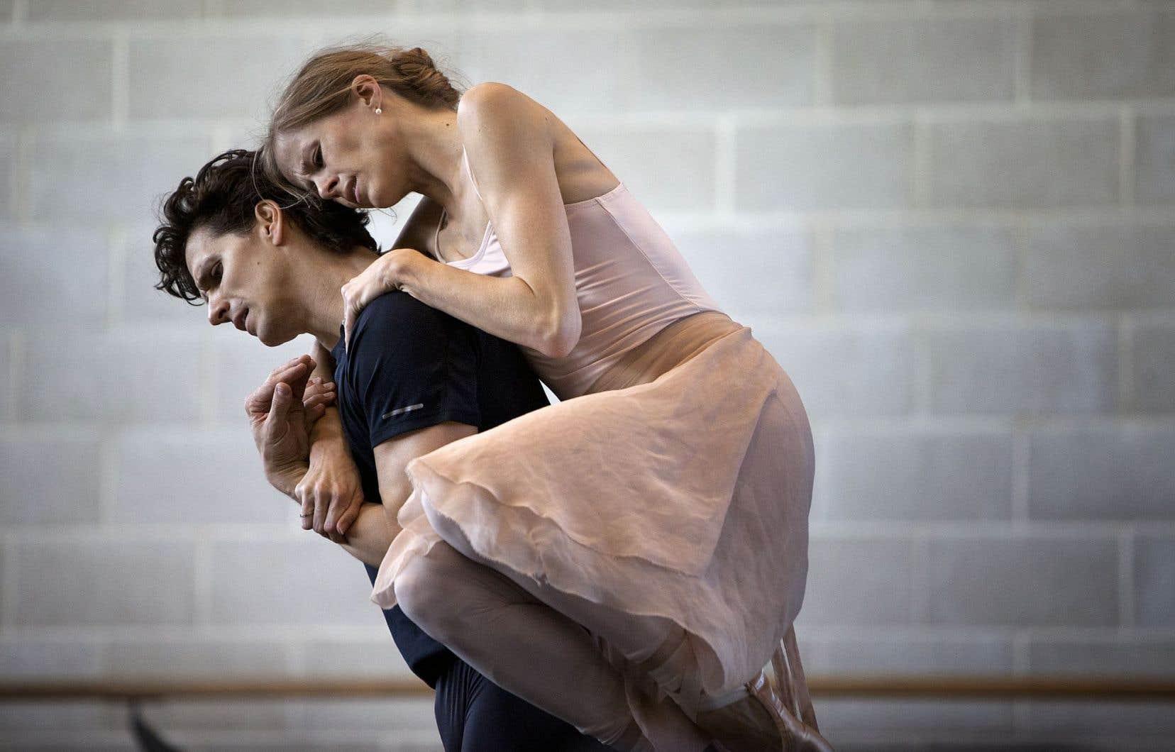 En première mondiale, le duo «The Story of Us», de Marcelo Gomes, raconte en ballet la rencontre et l'histoire d'amour entre Côté et sa partenaire et conjointe, Heather Ogden.