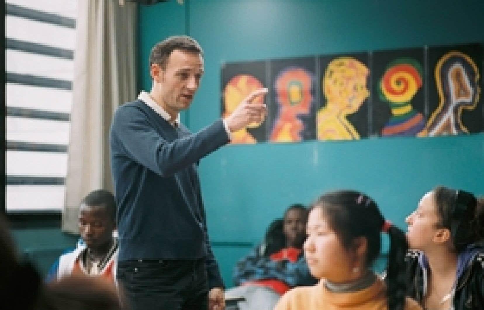 François Bégaudeau joue son propre rôle de professeur dans Entre les murs, de Laurent Cantet.