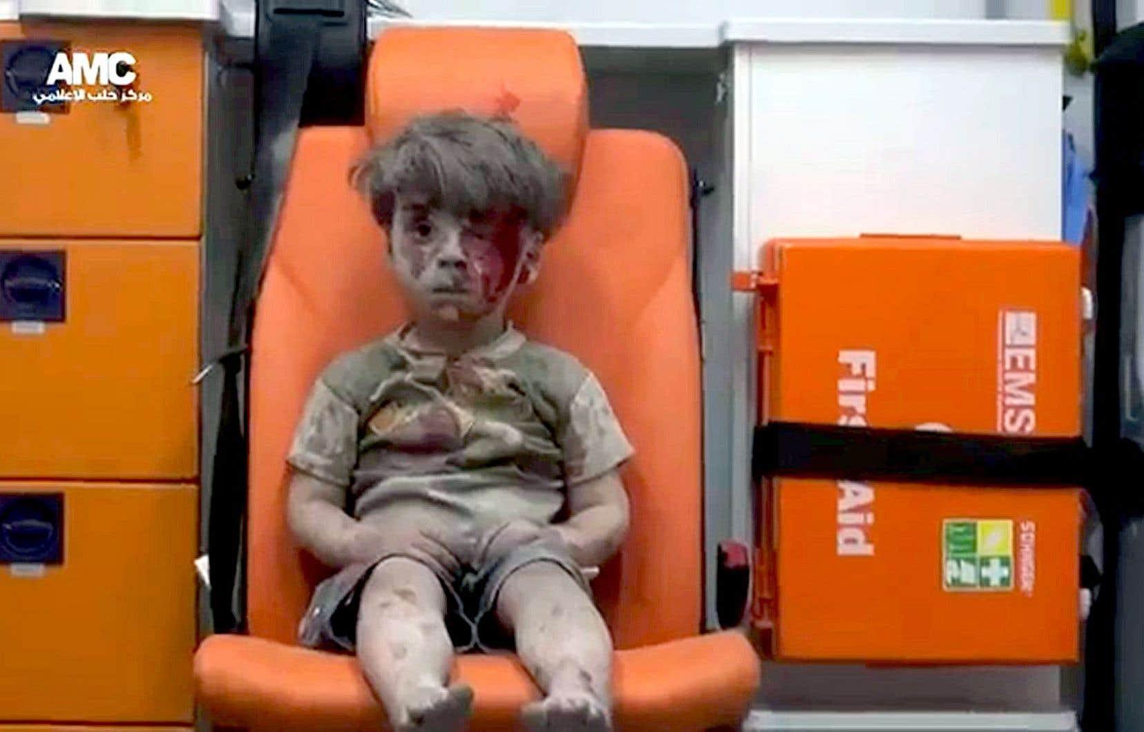 Image tirée d'une vidéo dans laquelle apparaît Omran, 5 ans, rescapé d'un bombardement à Alep.