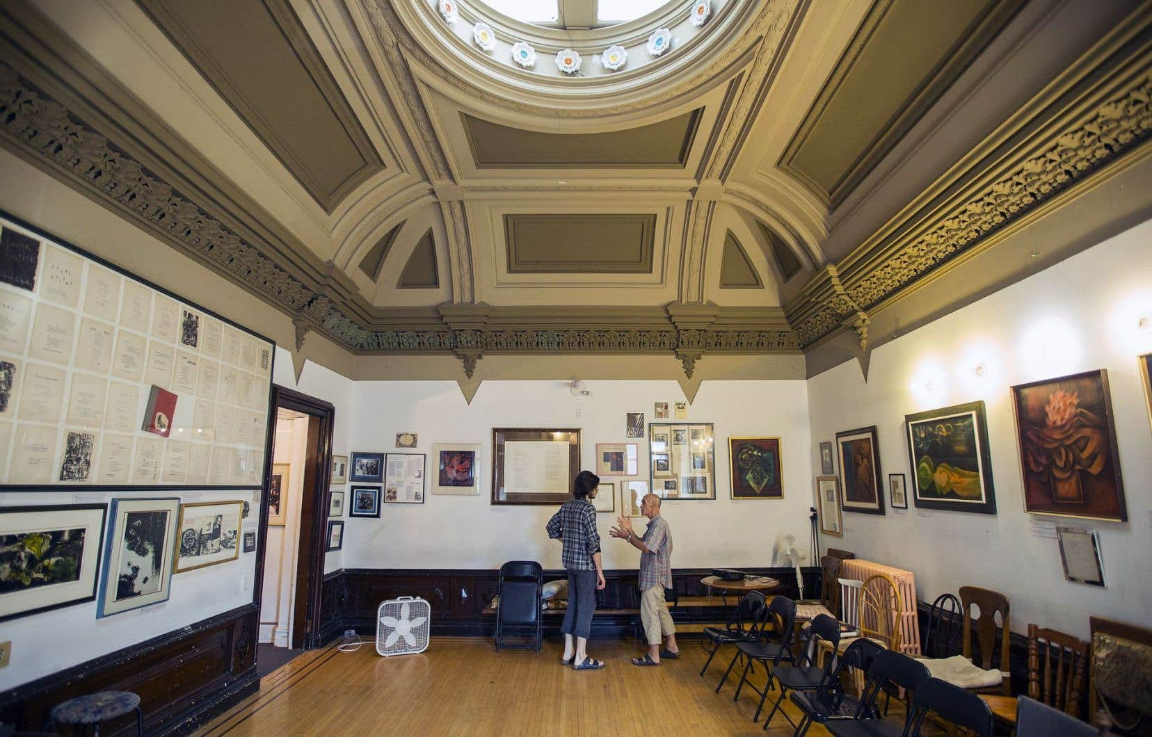 La collection se déploie sur les trois étages de la maison attenante à l'ancienne Académie Bourget.