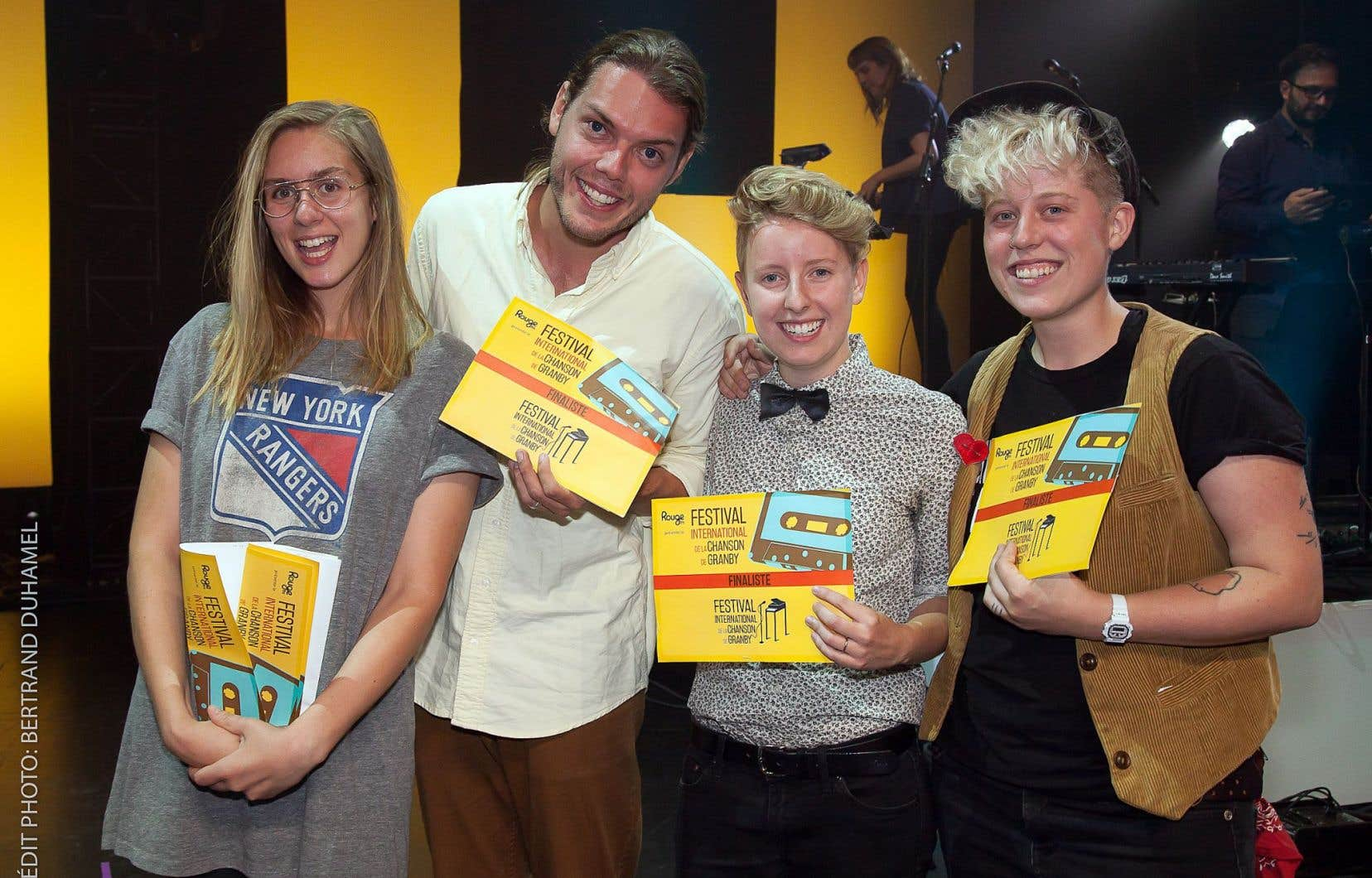 Les finalistes du concours du Festival international de la chanson de Granby, Lydia Képinski, Étienne Fletcher, Catherine Dagenais et Samuele