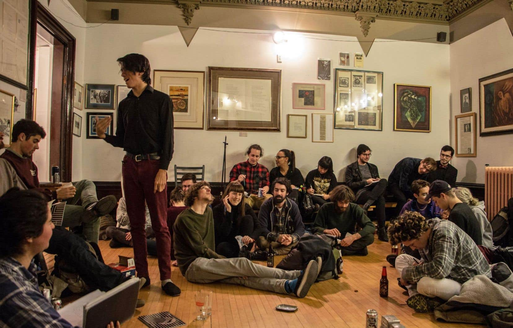 Les artisans de La Passe ont monté une librairie, une chambre noire, des ateliers de reliure et de typographie, des éditions, des expositions d'archives, accueilli des soirées littéraires et organisé plus de 200 concerts dans la dernière année.