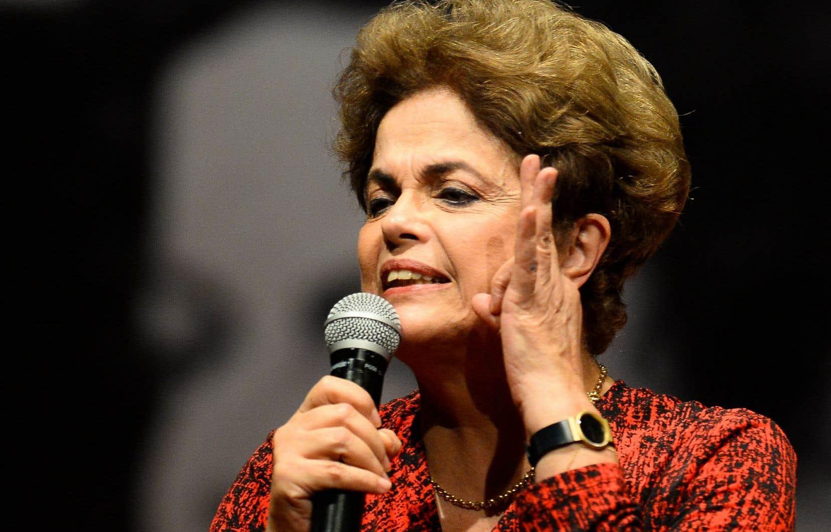 Dilma Rousseff, 68ans, première femme élue à la tête du Brésil, est accusée d'avoir maquillé les comptes publics.