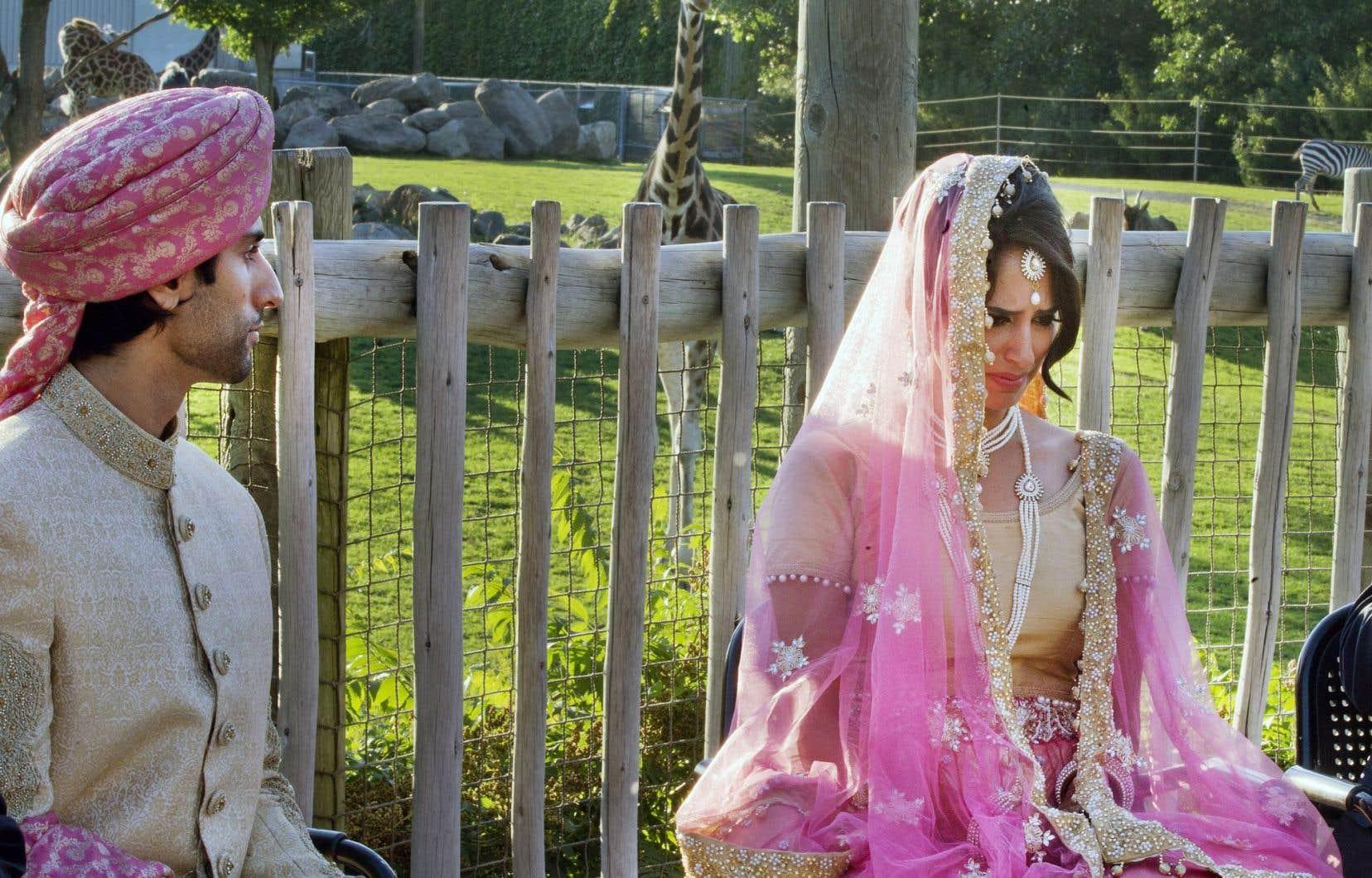 Fahad et Aalia ont convolé en justes noces samedi dernier en pleine savane africaine devant un soleil qui déclinait à l'horizon. Les jeunes mariés ont été envahis par l'émotion au cours de la cérémonie se déroulant au zoo de Granby.