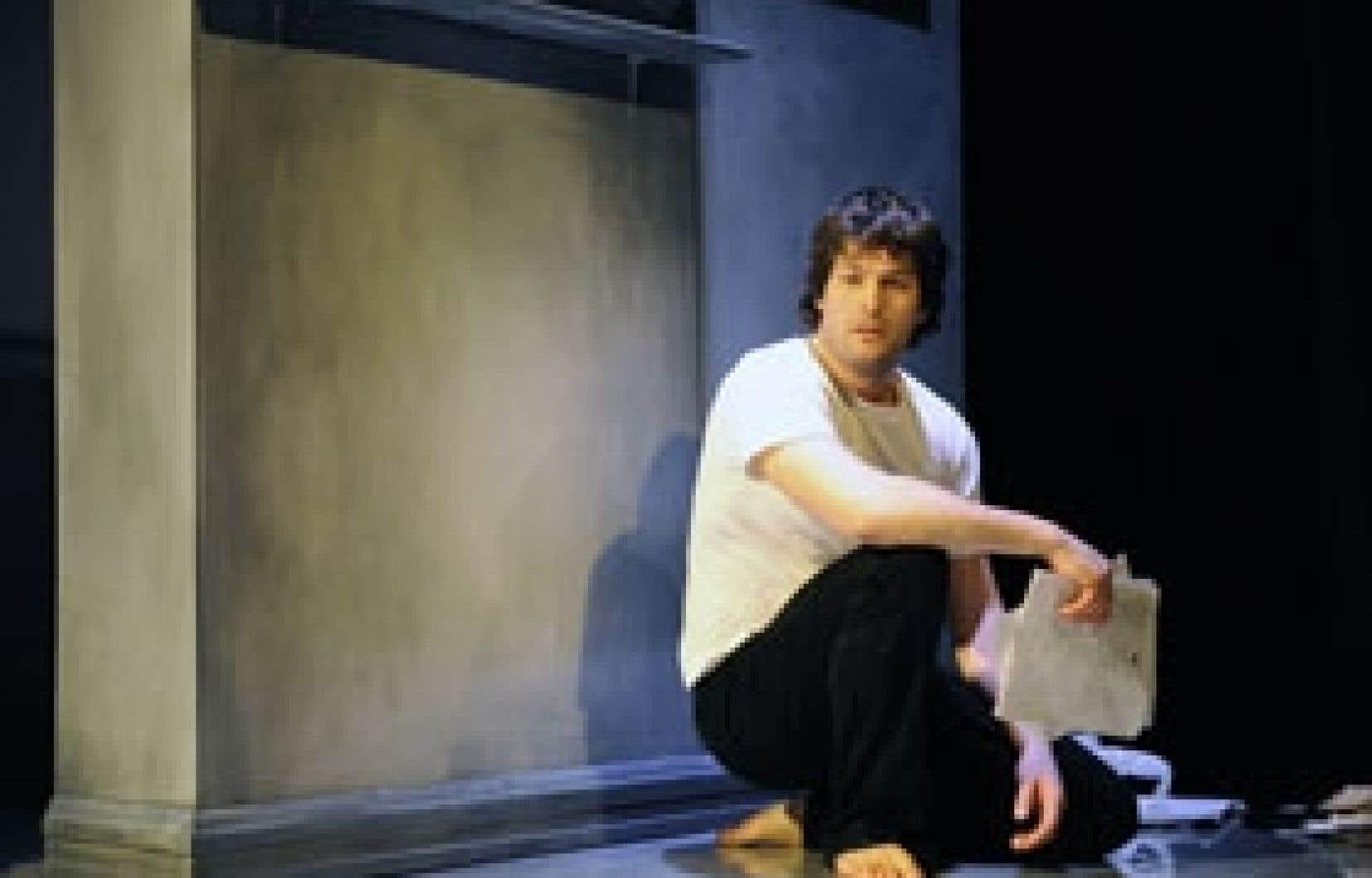 Le comédien Guillaume Champoux dans une scène de Pur chaos du désir. Photo: Valérie Remise