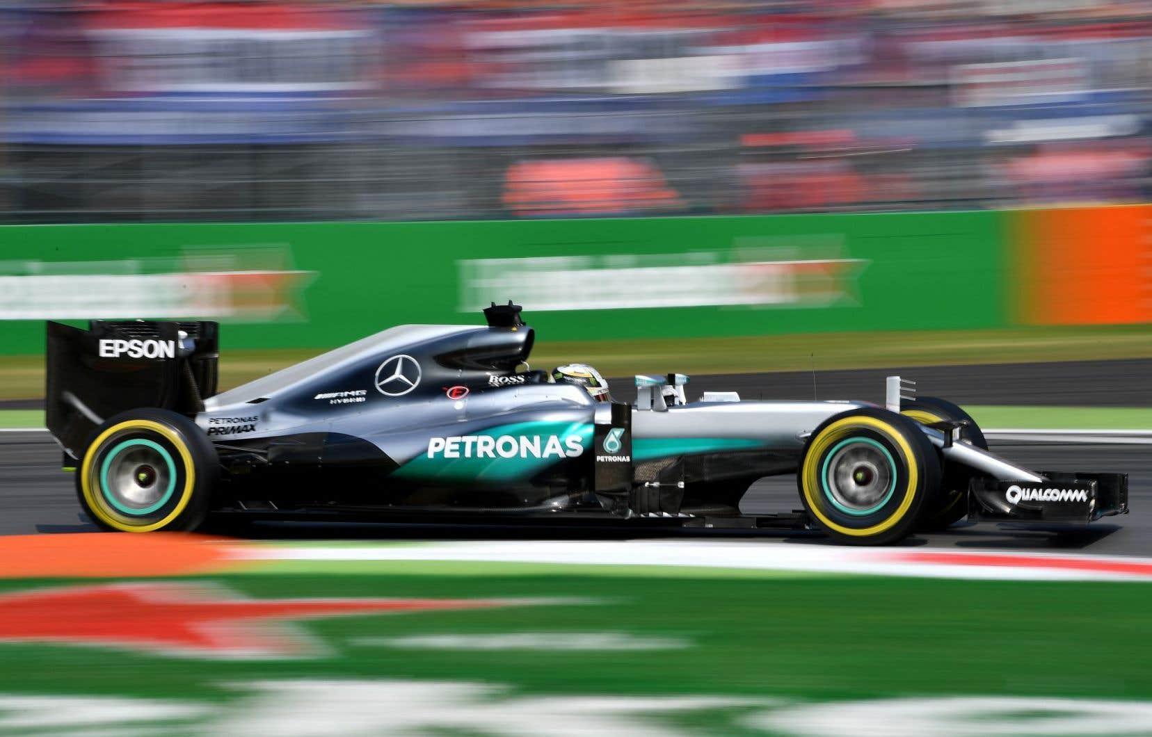 Hamilton en essai libre au Autodromo Nazionale, à Monza, vendredi