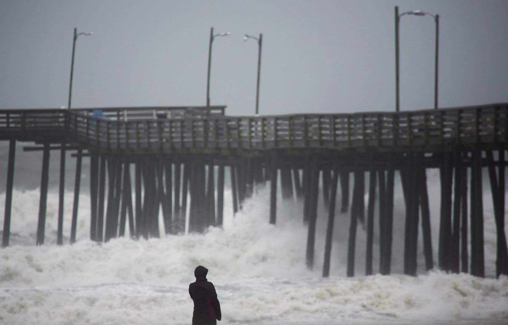 Dimanche matin, ses vents étaient de 100km/h. Hermine se trouvait à 250 kilomètres au sud-est de Ocean City, au Maryland.