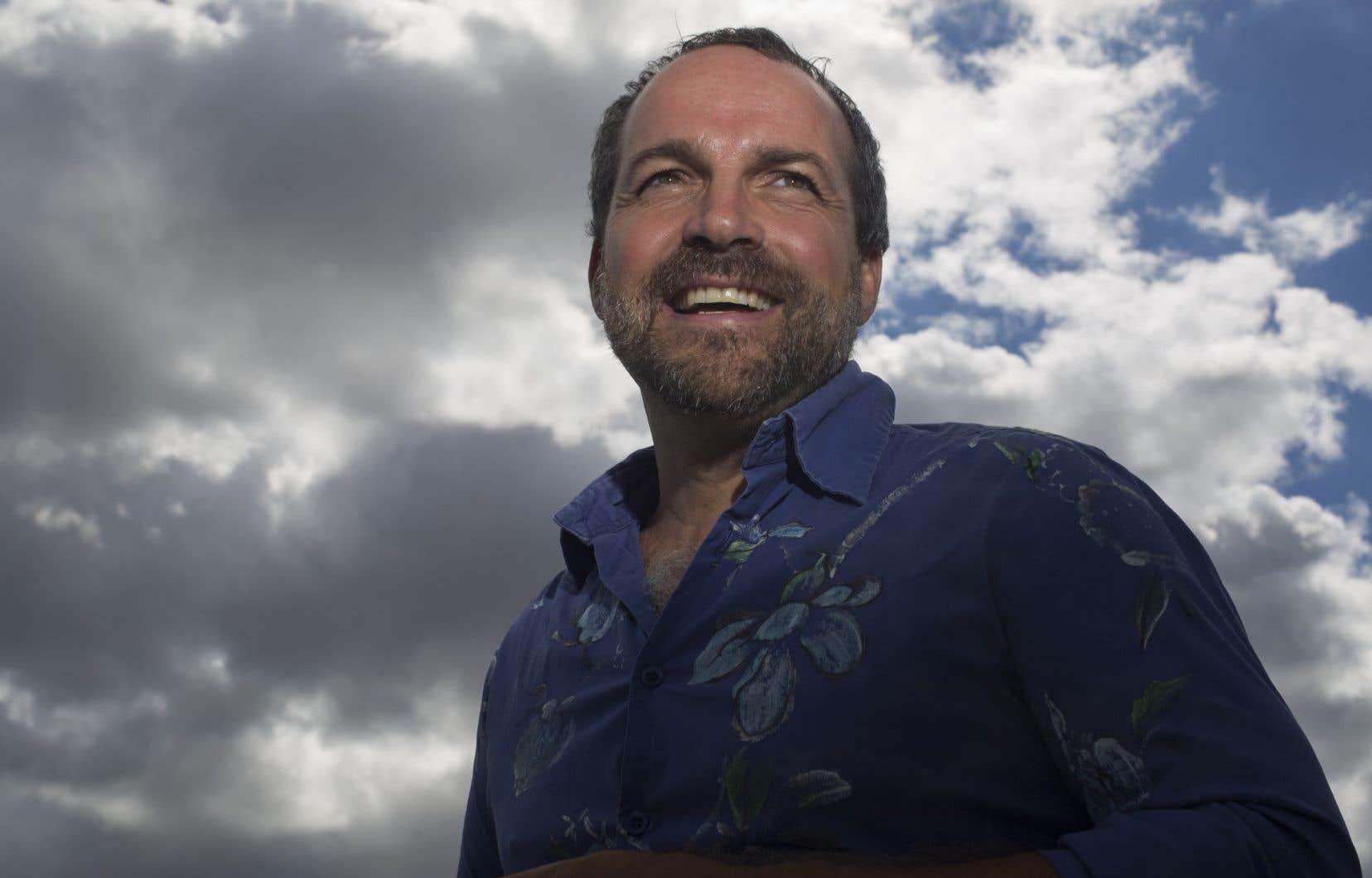 Michel Duchesne s'est engagé comme écrivain public pour le compte d'un organisme communautaire du quartier Hochelaga-Maisonneuve.