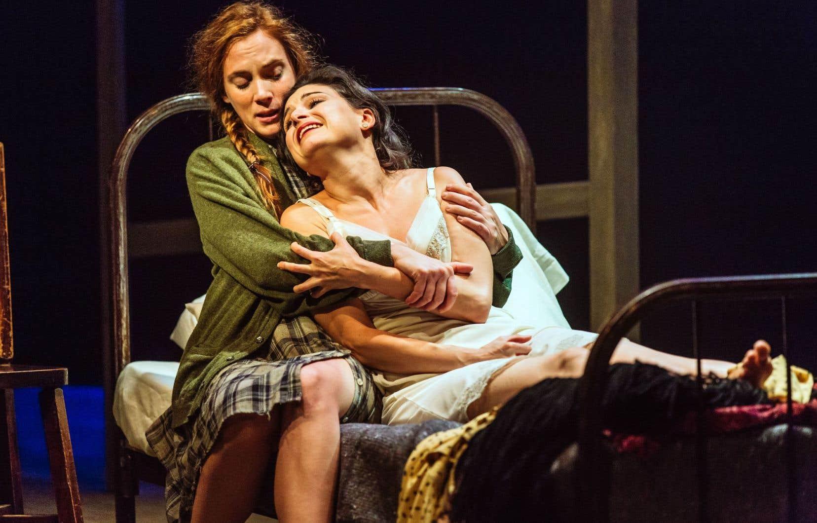 Le spectacle dirigé par Luce Pelletier laisse surtout le terrain aux mots.
